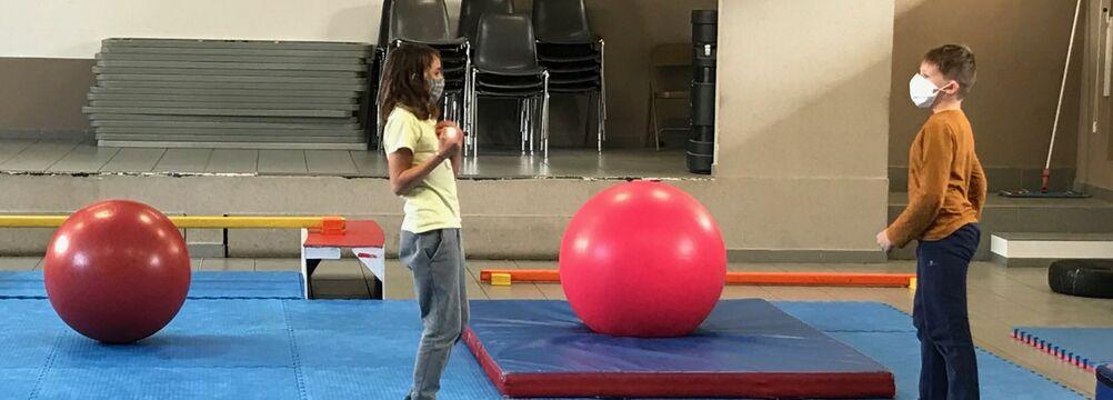 En ce moment, avec vous - Cirque à l'école