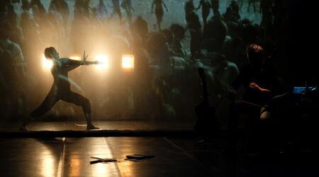 Avec vous / Projection El Patio d'Elvira Diaz