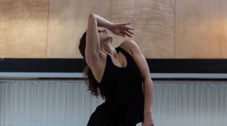 En ce moment, sur nos plateaux / Zoé Lakhnati - Association Mandragore, Zoé Lakhnati, danseuse