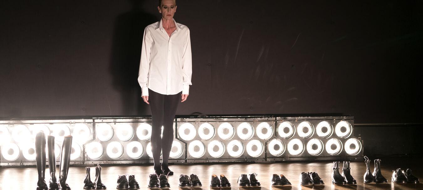 Défilé pour 27 chaussures   Olivier Saillard - Mathilde Monnier